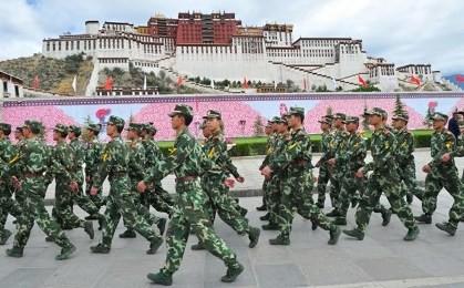 中国、チベット白書発表 - ảnh 1