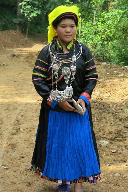 プペオ族の民族衣装とは? - ảnh 2