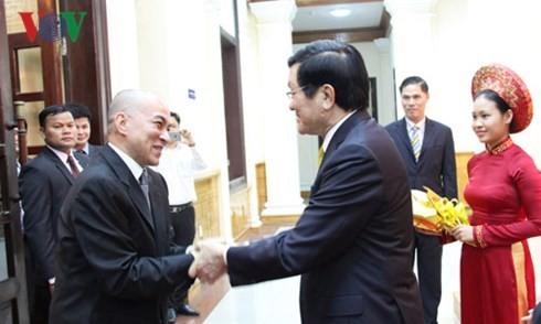 カンボジア国王、ベトナムを訪問中 - ảnh 1