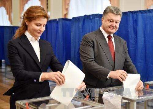 不満示す国民、和平に影響か=政権側、地方選で苦戦-ウクライナ - ảnh 1
