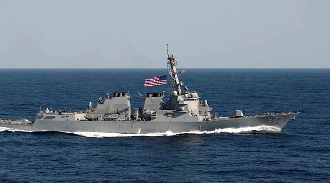 米イージス艦 中国が領海主張の海域を航行 - ảnh 1