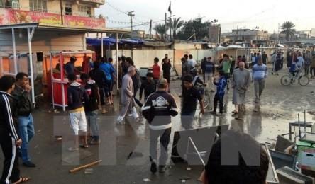 イラクのサッカー場で爆発26人死亡 ISが犯行声明 - ảnh 1