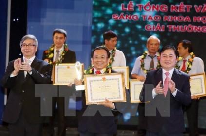 ベトナム科学技術賞2015の授賞式 - ảnh 1