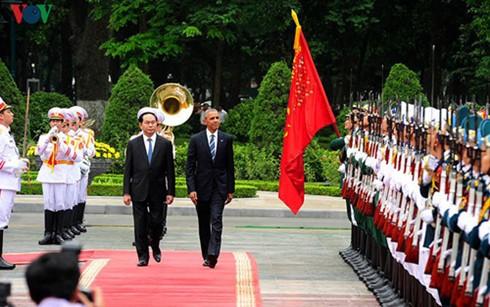 オバマ大統領の訪越は越米の戦略的利益に関する共通認識を明確にした - ảnh 1