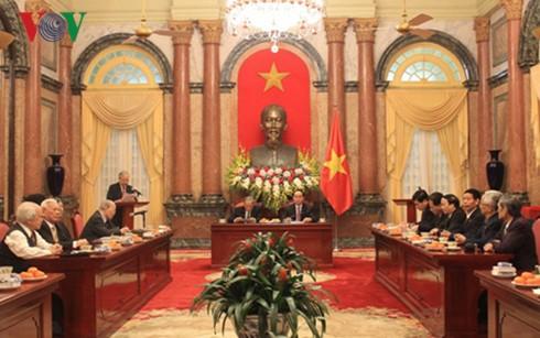 クアン国家主席、カンボジア支援に参加した元専門家と懇親 - ảnh 1