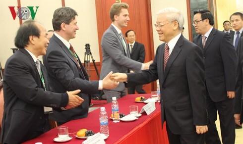 チョン書記長、ベトナム学国際シンポジウムの代表と会見  - ảnh 1