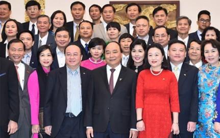 フック首相、ベトナム消費材開発協会代表団と会見 - ảnh 1