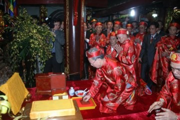 チャン神社で大王の押印儀式 - ảnh 1
