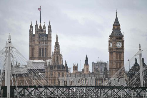 英議会 総選挙の前倒しを承認 6月8日に投票 - ảnh 1