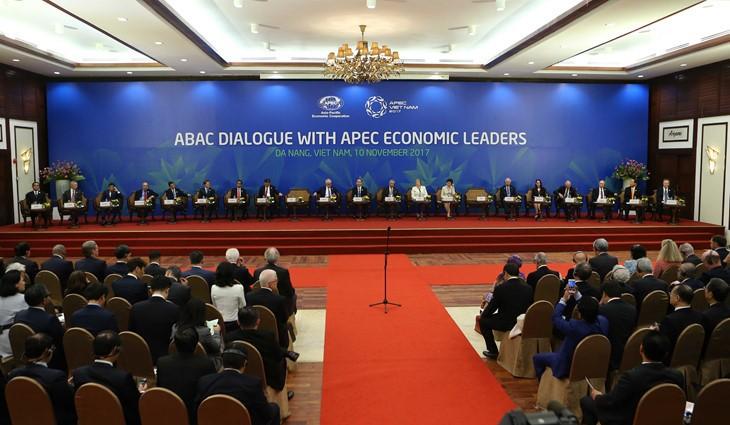 クアン国家主席、APECとABACとの対話で演説 - ảnh 1