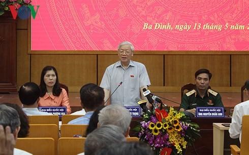 チョン共産党書記長、ハノイ市ホアンキェム区などの有権者と会合 - ảnh 1