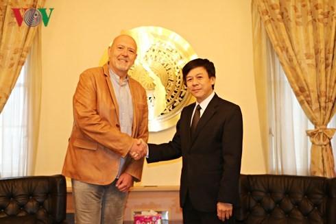 チェコ・ベトナム友好議員協会、ベトナムとの関係強化を望む - ảnh 1