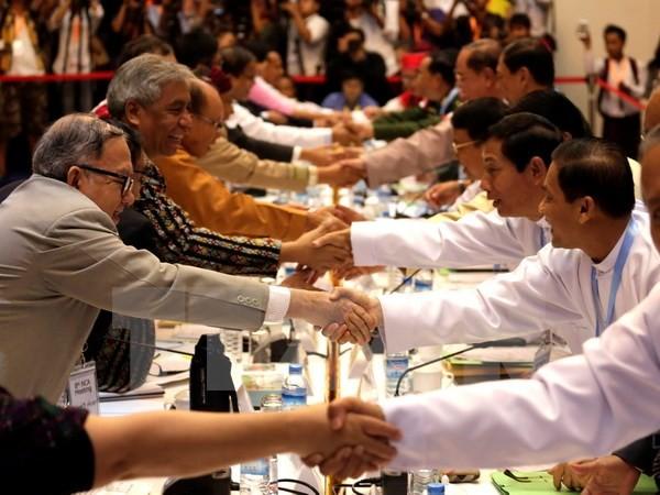 缅甸政府与各个武装组织就停火协议签署后的步骤达成一致 - ảnh 1