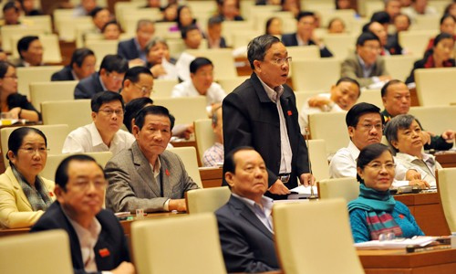 越南选民高度评价国会会议讨论国家社会经济发展情况 - ảnh 1