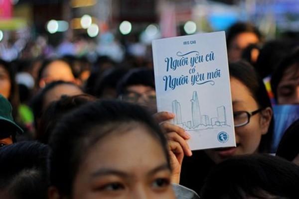 """越南妇女出版社举行""""越南当代女作家:生活与创作""""座谈会 - ảnh 1"""
