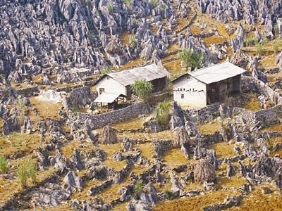 将同文岩石高原建设和发展成为国家乃至国际旅游目的地 - ảnh 1