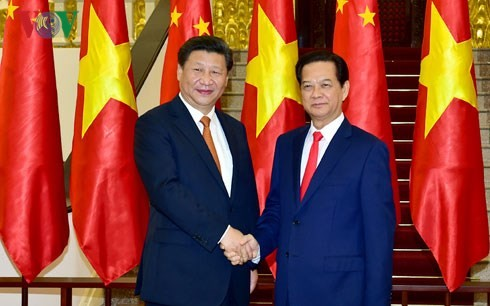 越南政府总理阮晋勇会见中共中央总书记、中国国家主席习近平 - ảnh 1