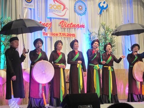 越南文化在捷克大放异彩 - ảnh 1