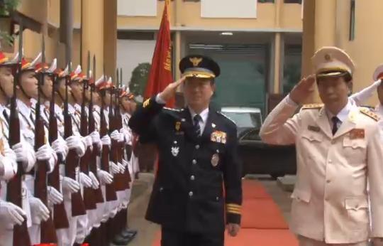 越南公安部与韩国国家警察厅加强合作关系 - ảnh 1