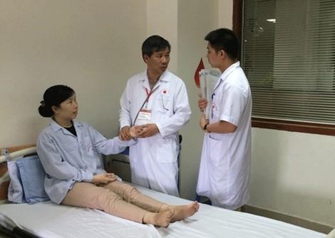医疗行业的劳动英雄阮英智教授博士 - ảnh 2