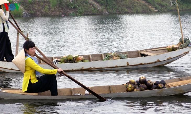 在河内越南民族旅游文化村再现南方水上集市文化 - ảnh 5