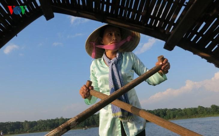 在河内越南民族旅游文化村再现南方水上集市文化 - ảnh 7