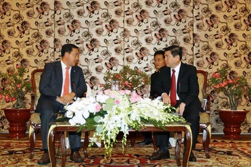 胡志明市领导人会见柬埔寨人民党对外部代表团 - ảnh 1