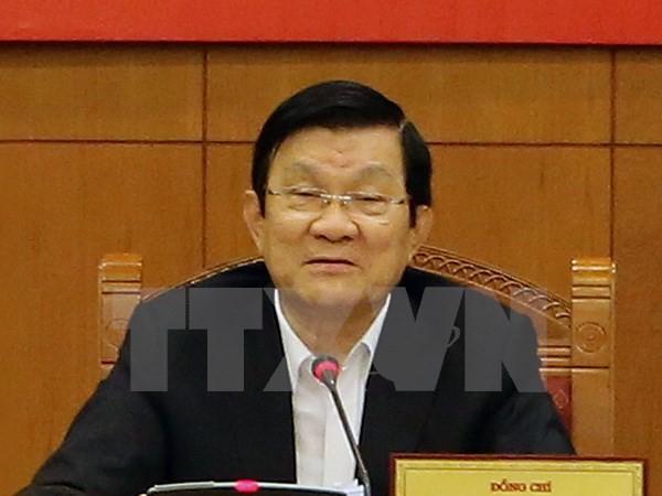 张晋创会见中国香港特别行政区行政长官梁振英等APEC经济体领导人 - ảnh 1