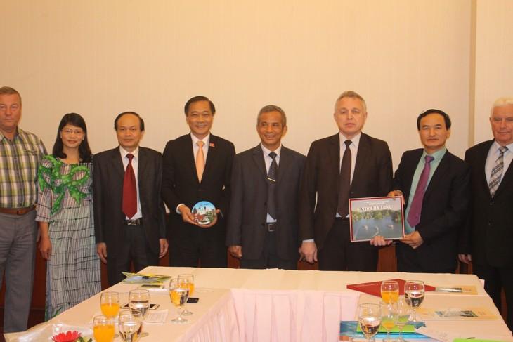 越南与白俄罗斯加强工会合作 - ảnh 1