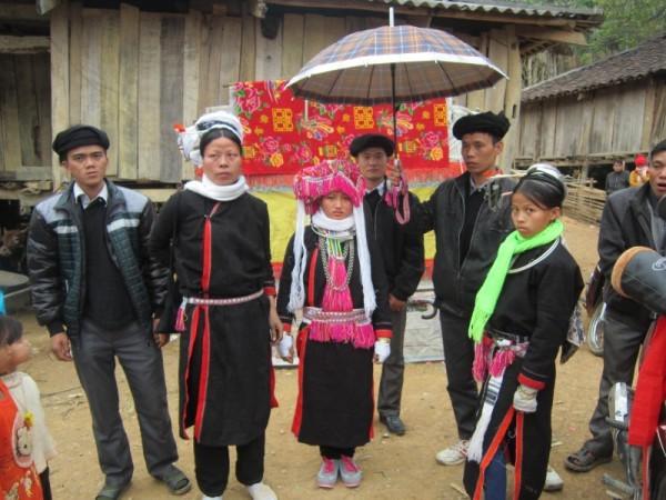 山泽族独特的婚俗 - ảnh 1