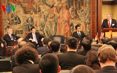 越南国家主席张晋创出席越德企业论坛并结束对德国的访问 - ảnh 1
