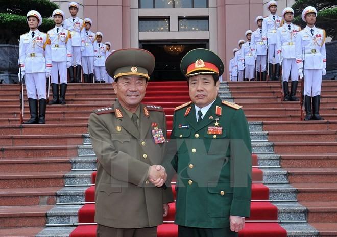 越南国防部长与朝鲜人民武力部长朴永植举行会谈 - ảnh 1