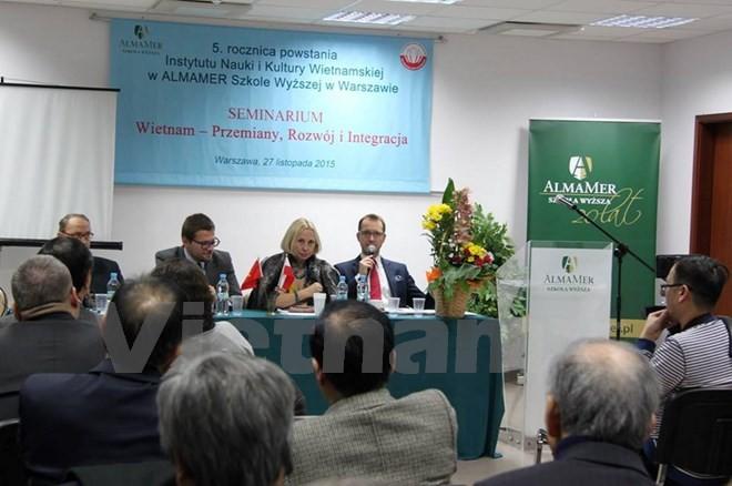 """""""越南:革新-发展-融入国际""""研讨会在波兰举行 - ảnh 1"""