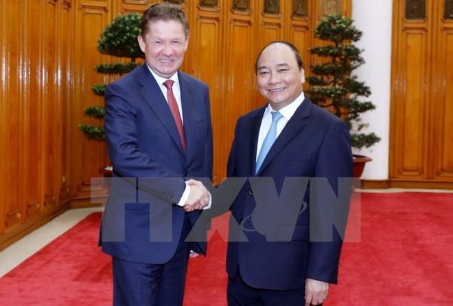 陈大光和阮春福会见俄罗斯天然气工业股份公司总裁米勒 - ảnh 2