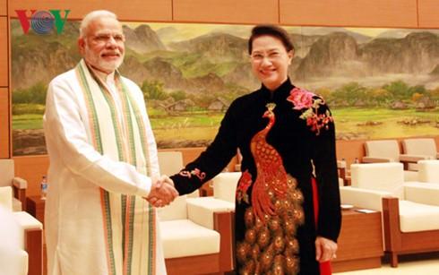 越南国会主席阮氏金银会见印度总理莫迪 - ảnh 1