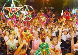 越南各大城市为特困儿童举行中秋节活动 - ảnh 1