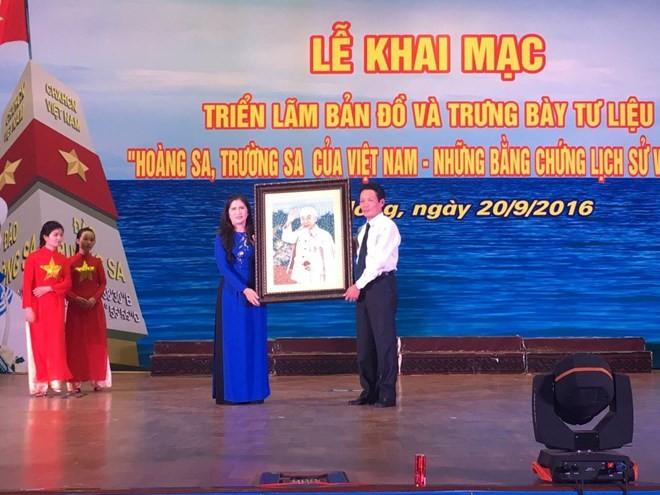 """""""黄沙长沙归属越南——历史和法理证据""""展在多农省举行 - ảnh 1"""