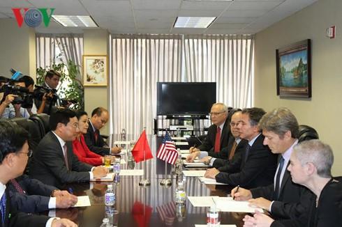 越南政府副总理兼外长范平明会见美国副国务卿布林肯 - ảnh 1