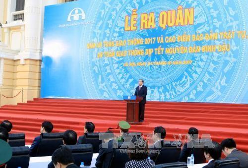 越南2017交通安全年出征仪式在河内举行 - ảnh 1