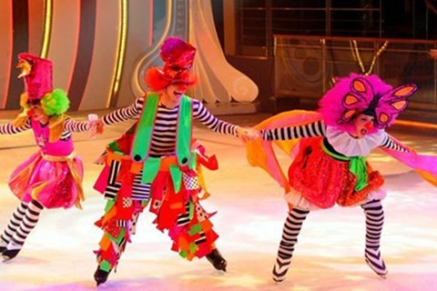 乌克兰冰上杂技表演首次在越南举行 - ảnh 1