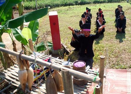 克姆族的信仰文化 - ảnh 1