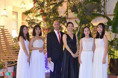 钢琴演奏家莫双双——越南的中国媳妇 - ảnh 2