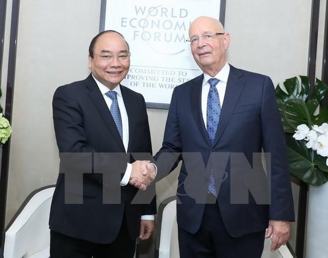 阮春福会见国际金融组织和企业领导人 - ảnh 1