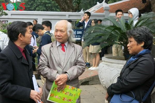 在文庙国子监举行的越南诗歌日活动的精彩瞬间 - ảnh 12