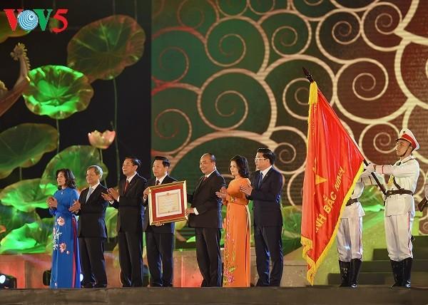 阮春福出席北宁省建省185周年纪念大会 - ảnh 1
