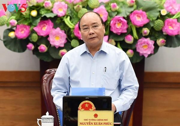 阮春福主持有关立法的专题会议 - ảnh 1