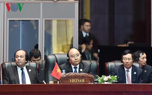 越南为第30届东盟峰会做出积极贡献 - ảnh 1