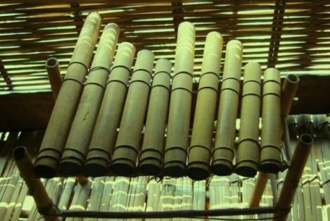 色当族民歌与乐器——西原地区山林独特的音色 - ảnh 2