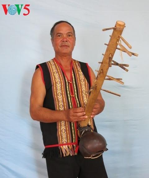 色当族民歌与乐器——西原地区山林独特的音色 - ảnh 3