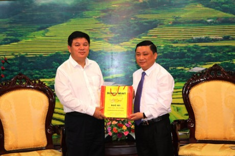 越南河江省与中国广西百色市开展边境劳务管理合作 - ảnh 1